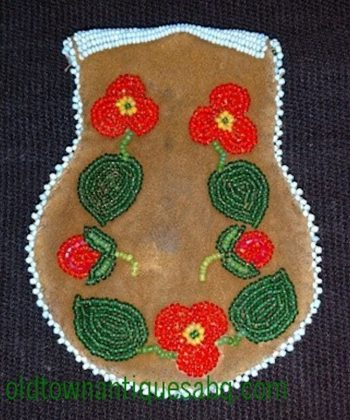 Nez-Perce-Cree-beaded-hide-bag-back